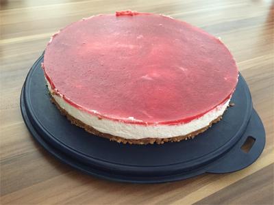 Cabris Kreativblog Quark Sahne Torte Mit Keksboden Und Erdbeer